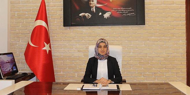 Türkiye'nin ilk başörtülü kaymakamı görevine başladı
