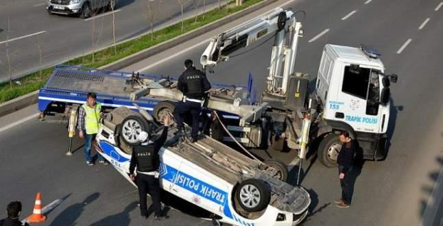 Bakan'ın konvoyunda kaza! Yaralılar var