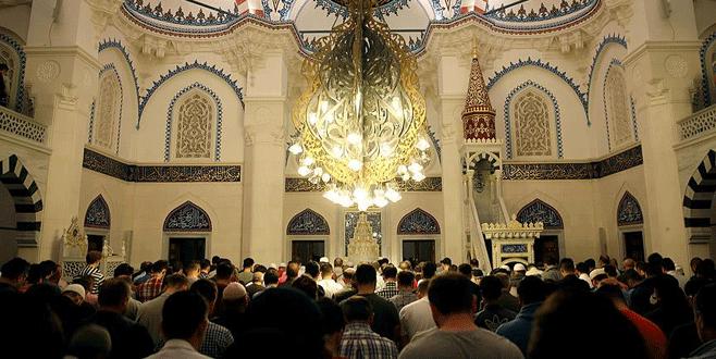 Camiye çirkin saldırı!