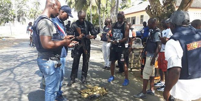 Otele silahlı saldırı: 15 ölü