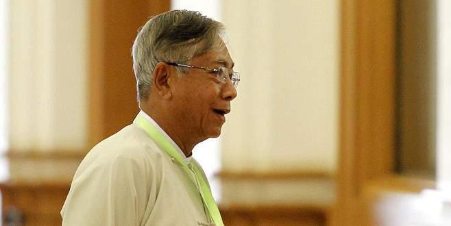 Myanmar 50 yıl sonra sivil devlet başkanı seçti