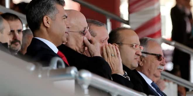 Erdoğan Çanakkale'de gözyaşlarını tutamadı