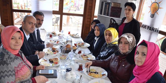 Yaşlılar Haftası'na kahvaltılı kutlama
