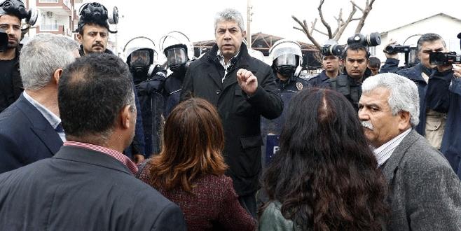 Polisten HDP'li vekile: Böyle bir günde halay mı çekilir?
