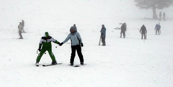 Uludağ'da ekonomi zirvesi öncesi kar sevinci