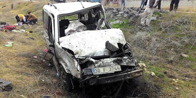 Düğün dönüşü kaza: 2 ölü, 9 yaralı
