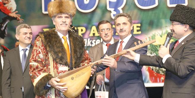 Altepe'ye Türk Dünyası Hizmet Nişanı