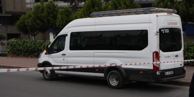 Bomba ihbarıyla aranan minibüs temiz çıktı