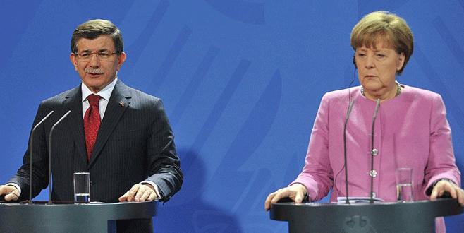 Davutoğlu ile Merkel arasında kritik görüşme
