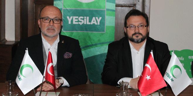 AK Partilierden Yeşilay'a ziyaret