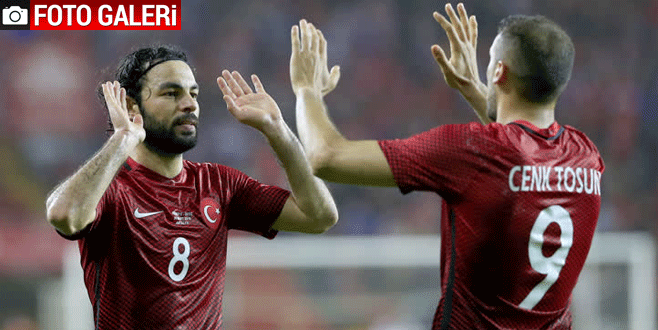 Türkiye – İsveç maçından kareler