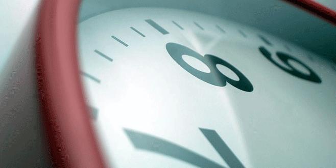 Yaz saati uygulaması başladı! Mesai saatleri değişecek