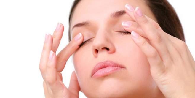 Gözlerinizi silerken dikkat!