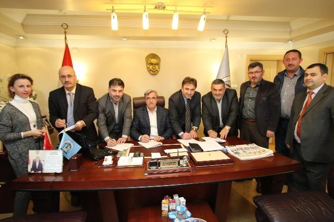 Akyazı Belediyesi'nde Toplu İş Sözleşmesi İmzalandı