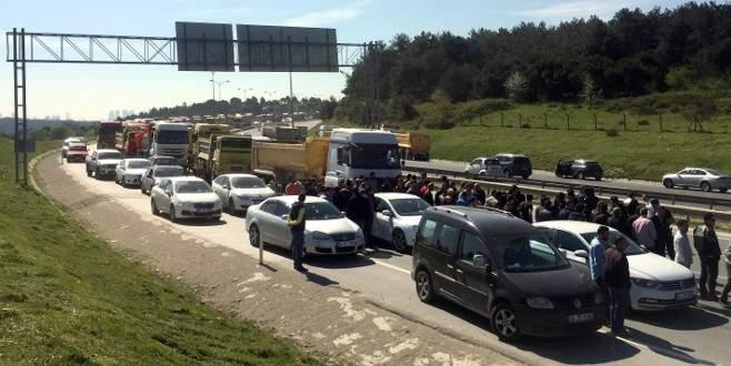 Kamyonculardan trafiği felç eden eylem