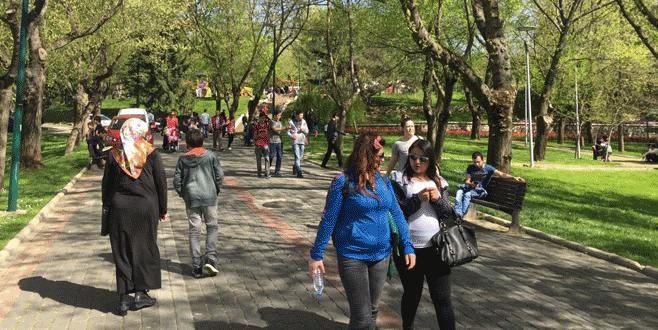 Bursalılar parklara akın etti