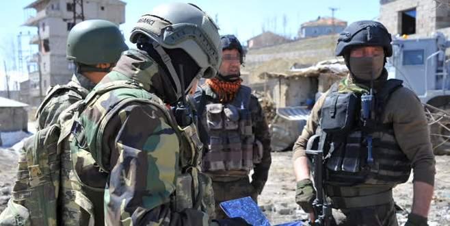 Yüksekova'da asker ve polis işbirliği içinde!