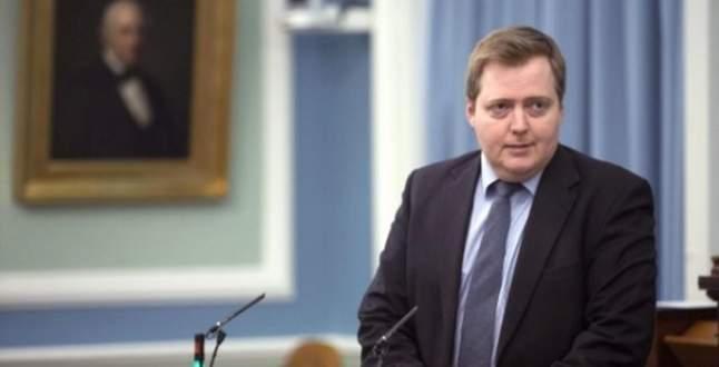 Panama belgelerinde adı geçen Başbakan istifa etti