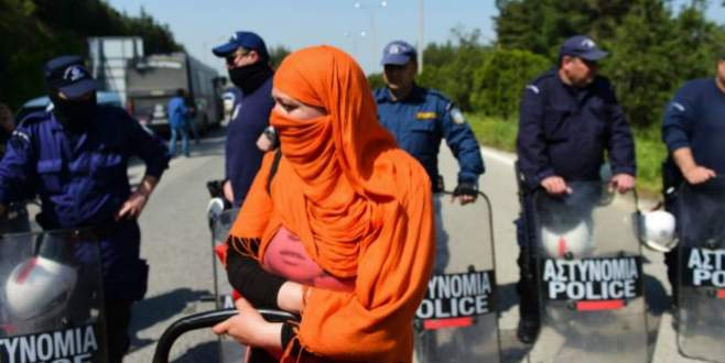 Yunanistan göçmen iadelerini durdurdu