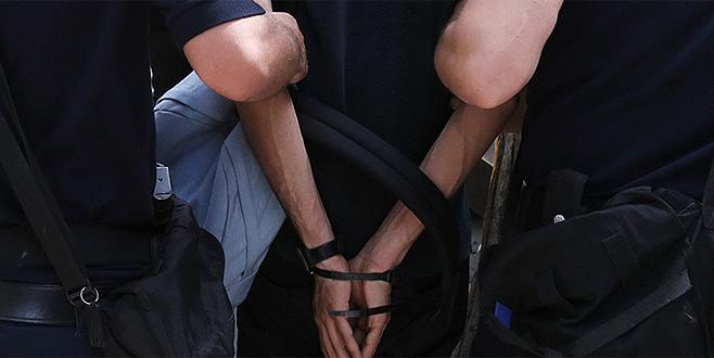 Bursa'da polis şüphelendiği şahsı durdurdu ve…