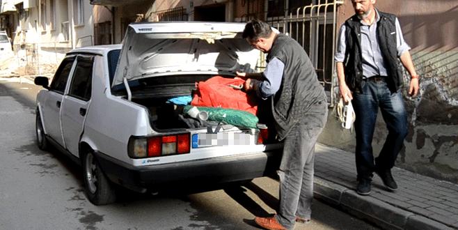 Bursa'da çalıntı araçtan silah ve uyuşturucu çıktı