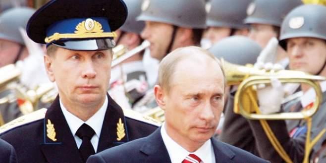 Putin kendine bağlı ordu kuruyor