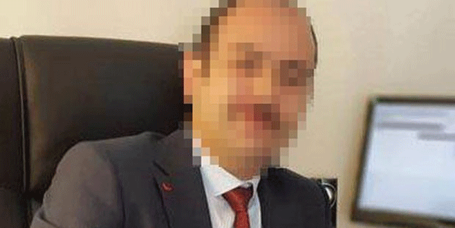 Öğrencisini WhatsApp'tan taciz etti, Kaymakamlık affetmedi