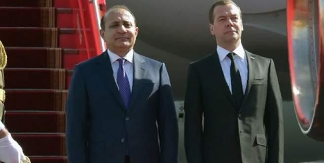 Medvedev'den Ermeinstan'da 'Dağlık Karabağ' mesajı