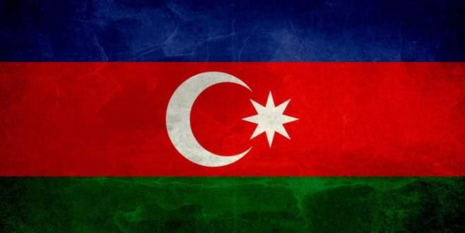 O tepeye 24 yıl sonra Azerbaycan bayrağı dikildi