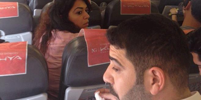 Uçakta 'inmek istiyorum' dedi ortalık karıştı