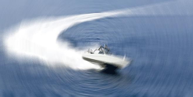 Ege'de hız teknesi battı: 5 ölü