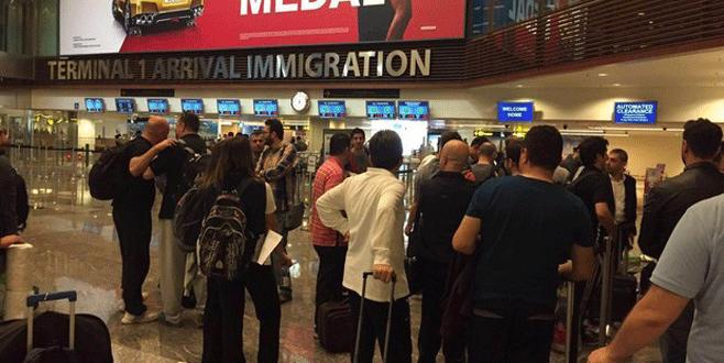 İşadamları havalimanında mahsur kaldı