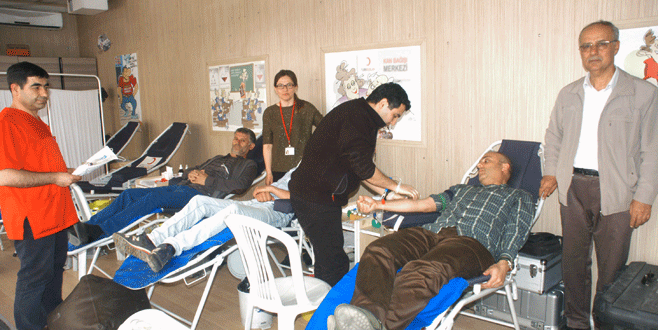 Orhaneli'nde kan bağışına büyük ilgi