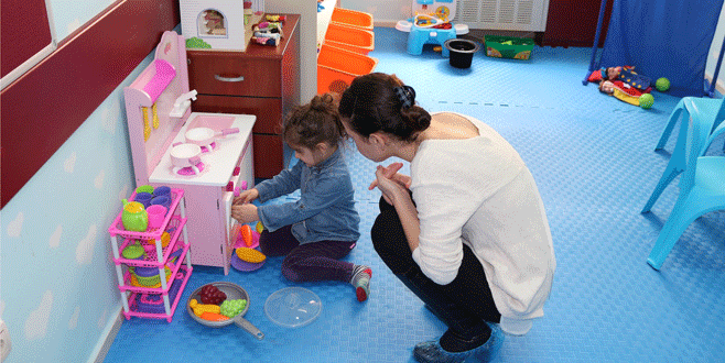Çocuklara oyunla terapi