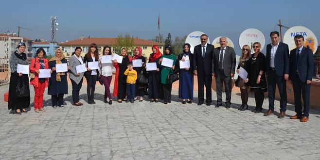 Yardımcı eğitmenler belgelerini aldı