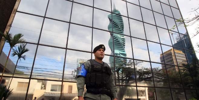Panama şirketine polis baskını