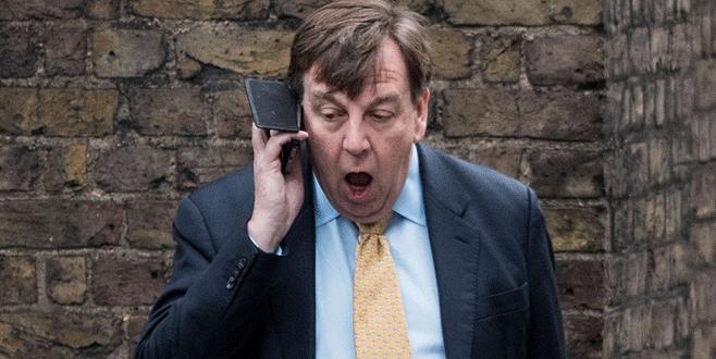 İngiltere Kültür Bakanı'ndan 'fahişe' savunması