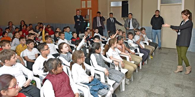 Öğrencilere çevre ve geri dönüşüm eğitimi