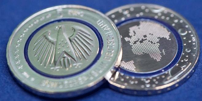 Almanya'da yeni 5 Euro tedavülde