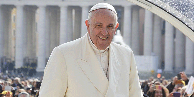 Papa 10 sığınmacıyı Vatikan'a götürecek
