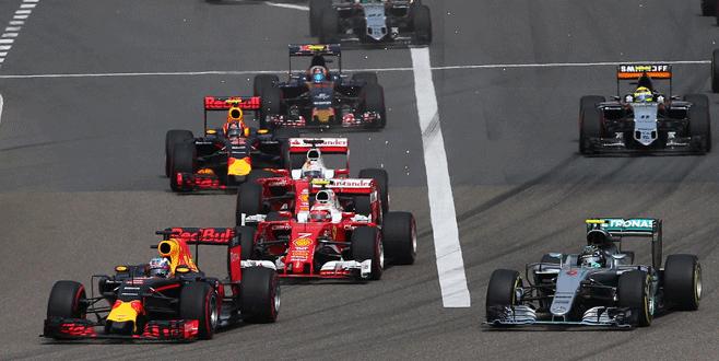 Rosberg yine önde bitirdi