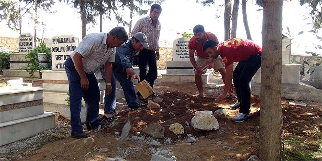 Özgecan'ın katili gömüldü diye mezarı açtırdılar