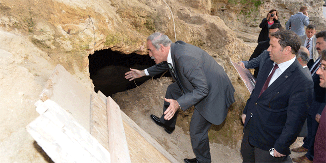2500 yıllık sur restorasyonu, Bursa´nın tünellerini ortaya çıkardı