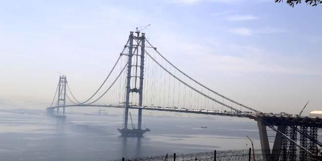 Körfez Geçişi Asma Köprüsü'nde iki yaka birleşti