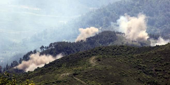 Esad, Türkmendağı'nı bombalıyor