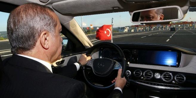 Cumhurbaşkanı Erdoğan Osman Gazi Köprüsü'nden geçti