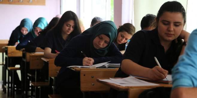 Bursa'da lise öğrencilerinden güvenlik güçlerine 'moral' mektupları