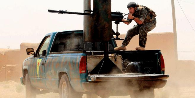 PYD Esad'la çatışıyor