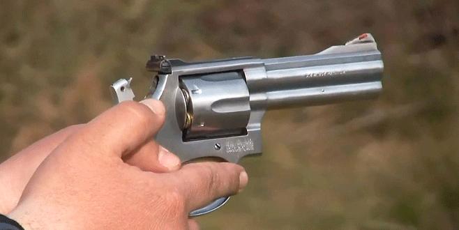 Eve silahlı baskın: Aynı aileden…