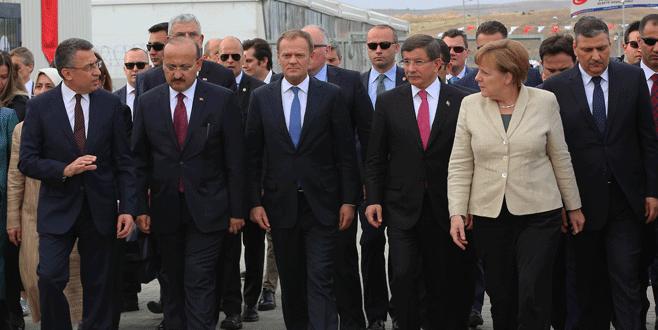 Davutoğlu ve Merkel Gaziantep'te